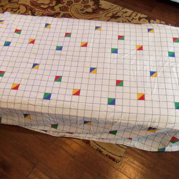 80's Fitted Full Bed Sheet, Grid Pattern