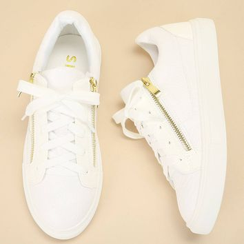Crocodile Pattern Lace-up Sneakers