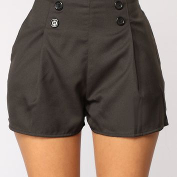 Let It Linger Shorts - Black