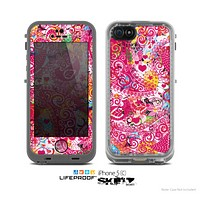 The Pink & White Paisley Pattern V421 Skin for the Apple iPhone 5c LifeProof Case