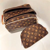 LV LOUIS VUITTON New fashion leather handbag cosmetic bag