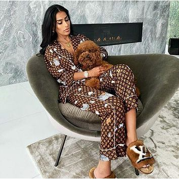 LV Louis Vuitton Hot Two-Piece Set Fashion Ladies Button Pajamas Pajamas Pajamas Cartoon Letters Print Men and Women Pajamas Set