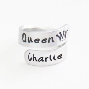 Personalized Queen ring - Queen crown ring - Name Queen ring - Gift for wife - Gift for girlfriend - Gift for her