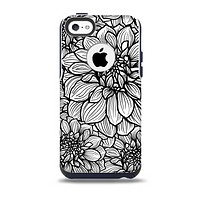 The White and Black Flower Illustration Skin for the iPhone 5c OtterBox Commuter Case