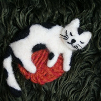 christmas gift, felt cat brooch, cat pin,  needle felted kids jewelry