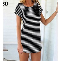 Hot style round neck loose T-shirt black and white striped dress
