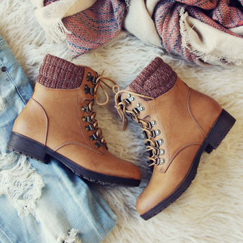 The Grizzly Boots in Tan
