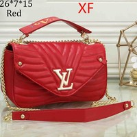 LV Louis Vuitton 2018 new female models wave pattern flip cover slung shoulder chain bag F-OM-NBPF Red