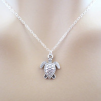 Turtle necklace, silver turtle necklace, small turtle, animal necklace, simple, cute, dainty necklace