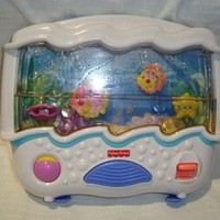 Fisher Price Ocean Wonders Aquarium Soothing/ Music Crib Mobile