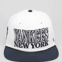 '47 Brand Tasty Rope New York Yankees Strap-Back Hat- Silver One