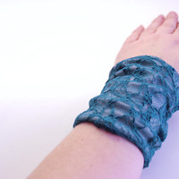 Reversible Stretch Wrist Bracelet Light GRAY and TEAL LACE Fashion accessory Women Teens Wrist Tattoo Cover