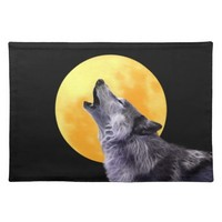 Wolf howls at the full moon cloth place mat