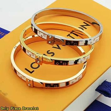 LV Louis Vuitton Fashion Women Men Delicate Stainless Steel Couple Bracelet Jewelry