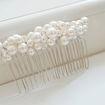 Bridal Comb Pearl Hair Piece Wedding Accessory Fascinator Swarovski White Cluster Pearls Beaded Hair Ornament Veil Attachment Silver Comb