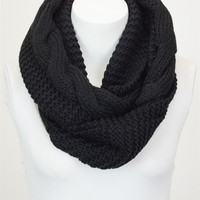 Essential Infinity Scarf - Black