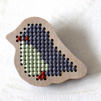 Little bird brooch for girl, kids jewelry, lightweight wooden brooch, cross stitch pin, gray and mint, ready to ship
