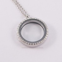 Magnetic 30 mm Round with Crystals Locket Holds Floating Charms