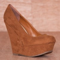 Breckelles Tall About The Trends Faux Suede Platform Wedge Pumps Cilo-01s - Tan