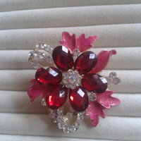pink and red  crystal flower rhinestone goldtone  brooch  pin