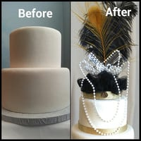 Gatsby black and gold with pearls cake topper