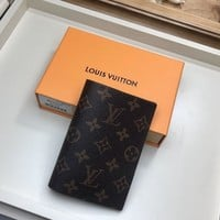 Kuyou Lv Louis Vuitton Fashion Women Men Gb19530 M64502 Passport Cover 10.0 X 14.0 X 2.5 Cm