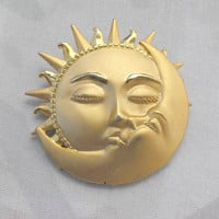 JJ Sun Kissing the Man in the Moon Brooch Matt Goldtone Vintage Jewelry