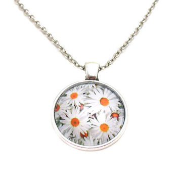 Daisy Necklace, Daisy Pendant, Charm Necklace, White Daisy Jewelry, Daisy Jewelry, Flower Necklace, Daisy Charm, Floral Charm, Floral Charm