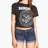 Ramones Print Short Sleeve Cropped Graphic Tee