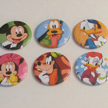 Mickey Mouse and Gang Magnet Set of 6 - Birthday Party Favors - Mickey Mouse - Minnie Mouse - Goofy - Donald Duck - Pluto - Daisy Duck