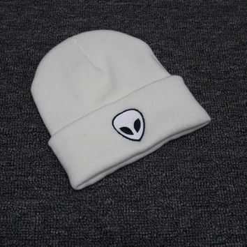 Autumn Winter Knitted Beanie Womens & Mens Alien Embroidery Wool Cap Solid White Colored Cuffed Skully Hat