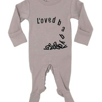L'ovedBaby Unisex-Baby Falling For Love Footie