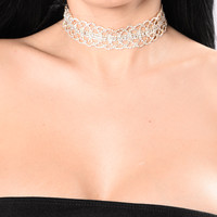 Never Fall For You Again Choker - Gold