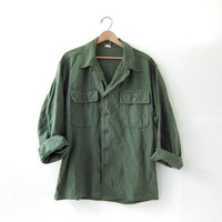 Vintage men's army shirt. military jacket. button up army shirt.