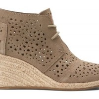 TOMS Shoes Taupe Moroccan Cutout Desert Wedges Closed Toe Women's Heels,