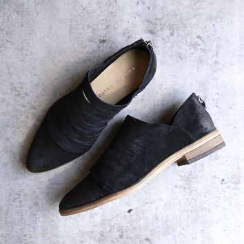 chinese laundry - danika suede bootie - black