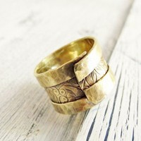 Rusic Brass Overlap Ring Adjustable Floral Pattern