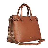 DCCKUG3 Tote Bag Handbag Authentic Burberry Medium Banner in Leather and House Check TAN Item 39807941