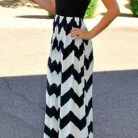 Black Sleeveless Chevron Printed Maxi Dress