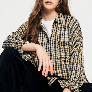 Urban Outfitters Crinkle Checked Button-Down Shirt | Urban Outfitters