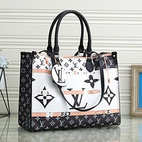 Louis Vuitton LV new color-blocking letter printing super fire large capacity portable presbyopic tote bag