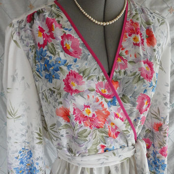 """ON SALE 70s Dress // Vintage 1970s White Pink Floral Swingy Summer Dress by Kay Windsor """"The Look You Love"""" Size M"""