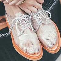 New perforated breathable and comfortable breathable flat lacing shoes
