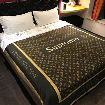 LV SUPREME Blanket Quilt Coverlet 2 Pillows Shams 4 PC Bedding Set