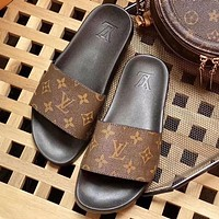 LV louis vuitton hot sale casual home beach sandals trendy slippers sandals for men and women