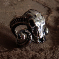 Stainless Steel Skull Ring Ram Skull Bull Skull Biker Large Ring Gothic Goth Punk Rocker Skull RIng Aries Ram Ring Men Jewelry Longhorn