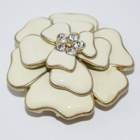 Brooch / Pendant With White Flower Design
