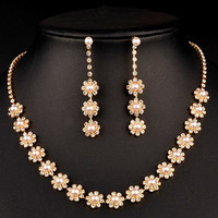 Floral Designed Wedding Jewelry Set with Pearls