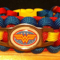 WONDER WOMAN Shoelace Charm 550 Paracord Survival Band