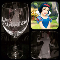 Personalised Disney Snow White Silhouette Wine Glass With Free Name Engraved In Disney Font. Totally Unique Gift For Any Disney Fan!